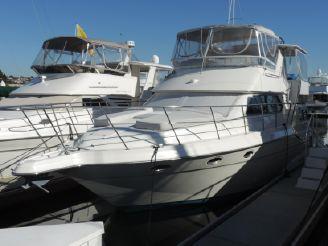 1994 Cruisers Yachts 3850