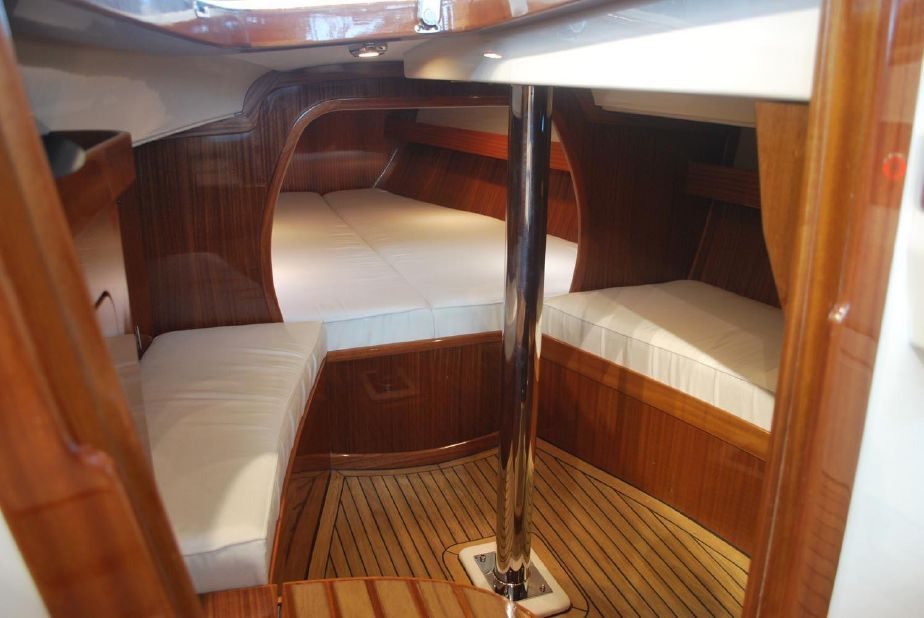 Fantastic 2019 Eagle 44 Zeil Boot Te Koop Nl Yachtworld Com Alphanode Cool Chair Designs And Ideas Alphanodeonline