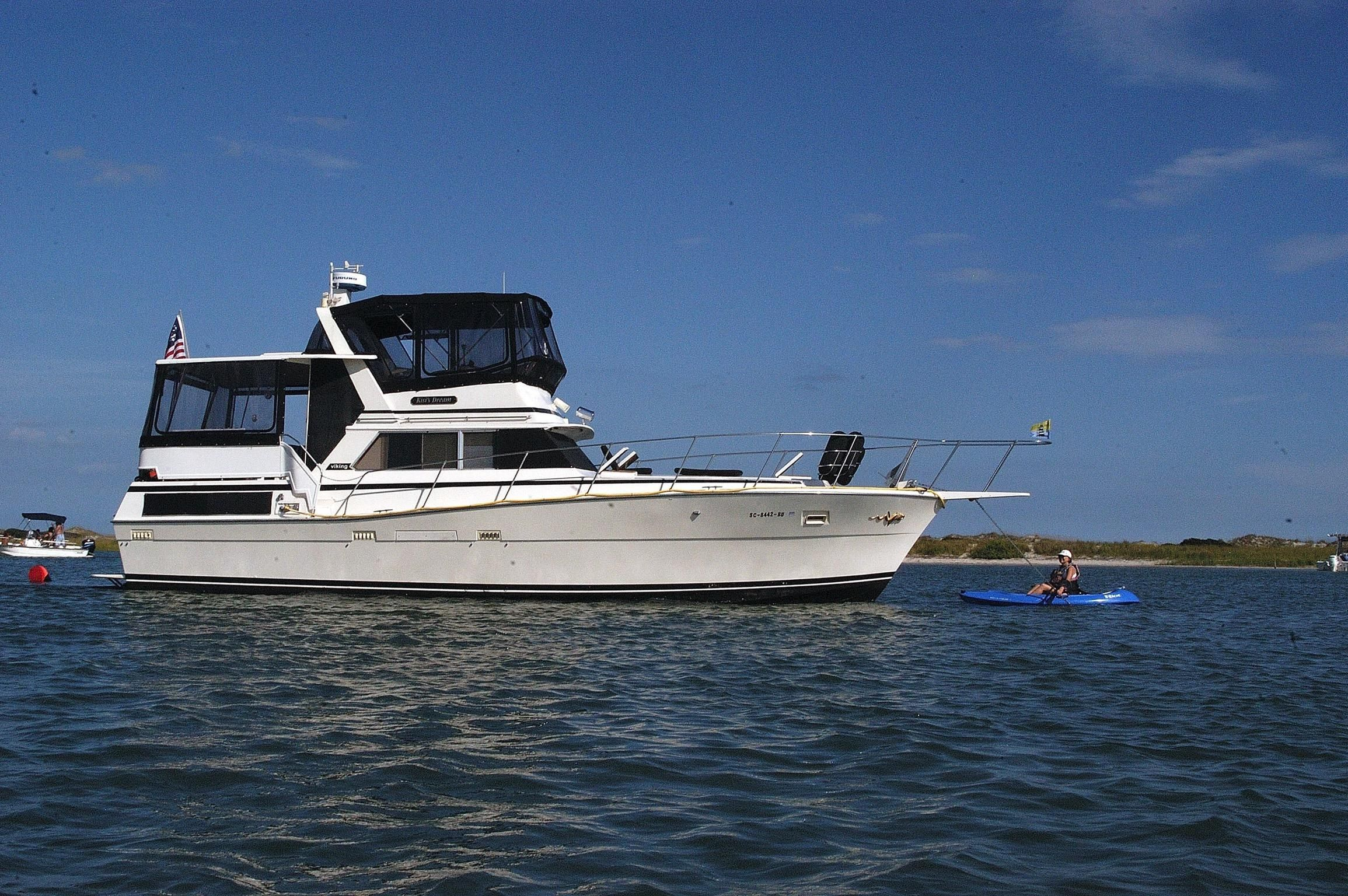 1980 viking 43 dcmy power new and used boats for sale for Viking 43 double cabin motor yacht