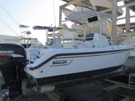 2000 Boston Whaler 21 Outrage