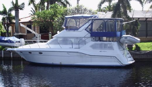 1991 Cruisers Yachts 3850 AFT CABIN DIESELS