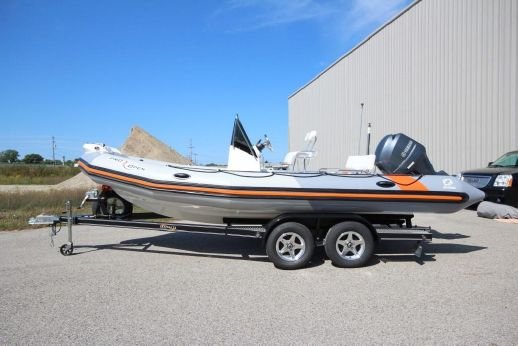 2015 Zodiac Pro Open 650 NEO 175hp In Stock - DEMO