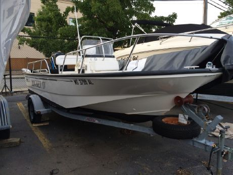 2003 Boston Whaler 170 Montauk with Trailer