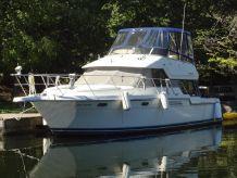 1995 Carver 370 Voyager