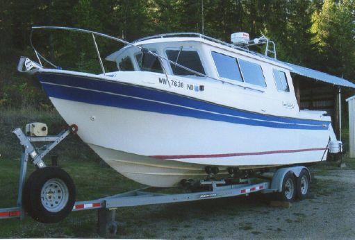 1993 Seasport 2700 Navigator