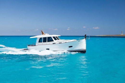 2017 Sasga Yachts Menorquin 42 hardtop
