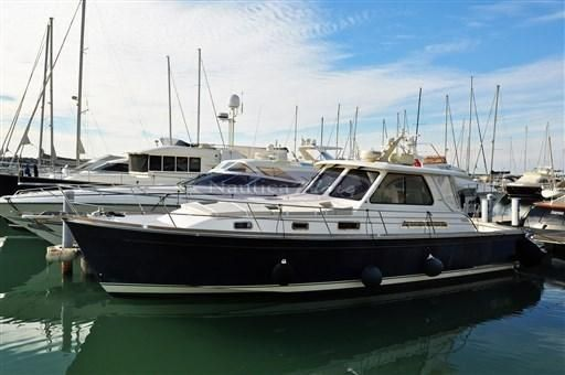 2003 Sabre Yachts 42' Hard Top Express