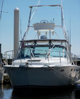 1984 Tiara 3100 Pursuit