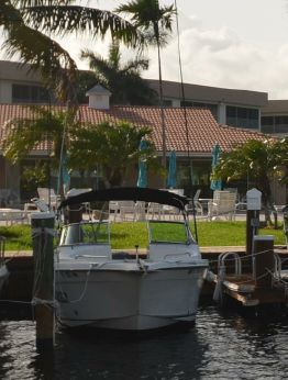 2004 Seaswirl Striper 2101 DC