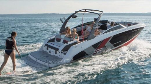 2018 Four Winns HD 270 SURF