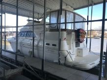 1999 Cruisers Yachts 3750 Aft Cabin