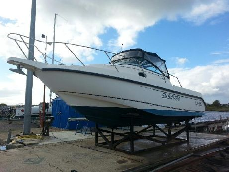 2001 Boston Whaler 26 Conquest