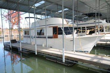 1985 Pearson 43 Motor Yacht / Pearson Trawler