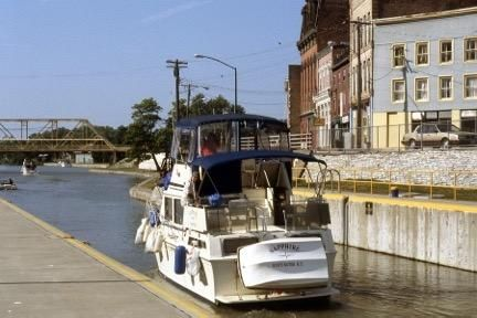 1987 Chris-Craft 362 DCFB