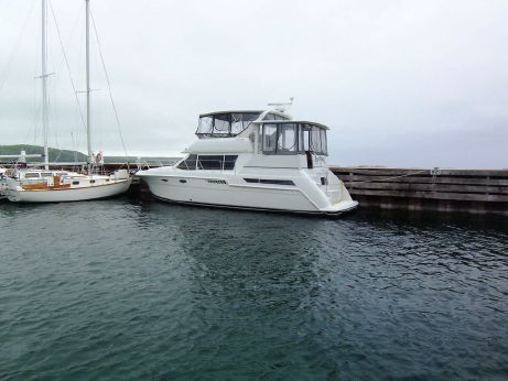 1997 Carver Yachts 405 Aft Cabin