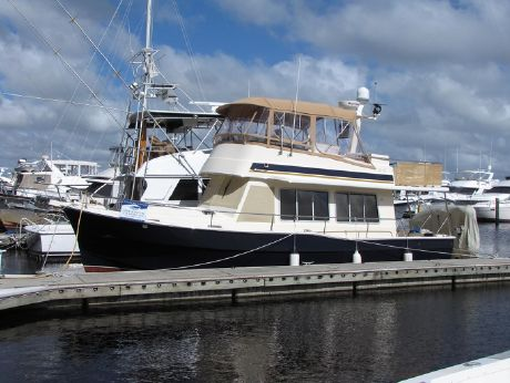 2004 Mainship 400 Sedan Trawler