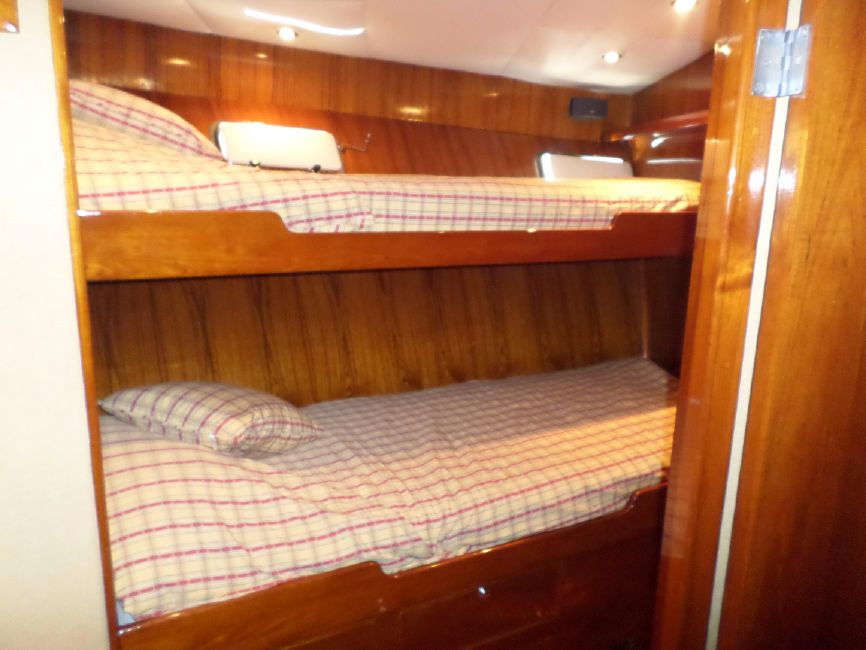 Pacifica 67 Convertible Guest Stateroom