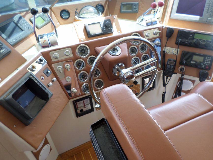 Pacifica 67 Convertible Flybridge Helm Controls