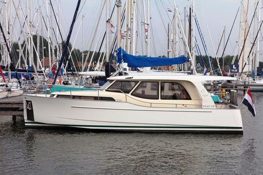 2012 Greenline 33 Hybrid Ready