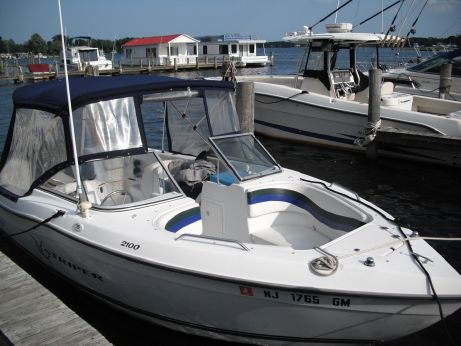 2000 Sea Swirl 2100 Striper
