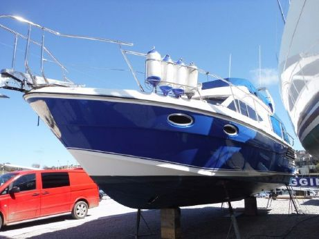 2013 Blackwater Motor Yachts 35 ft Fly Bridge