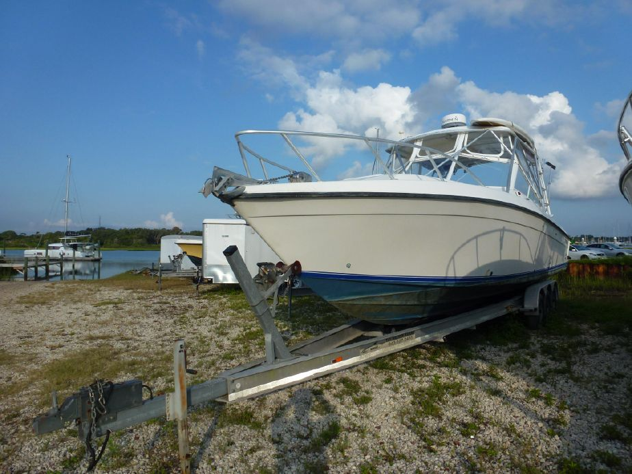 1998 Contender 35 Side Console Express Cruiser For Sale