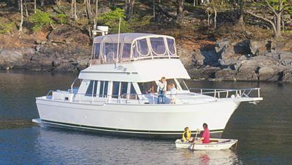 "2006 Mainship ""430"" 3SR Trawler"