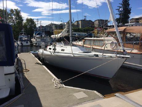 1988 J Boats J/35
