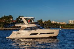 2016 Carver Yachts C40