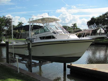 2000 Grady White 272 Sailfish Walkaround Cuddy