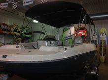 2020 Stingray 192SC Deck Boat