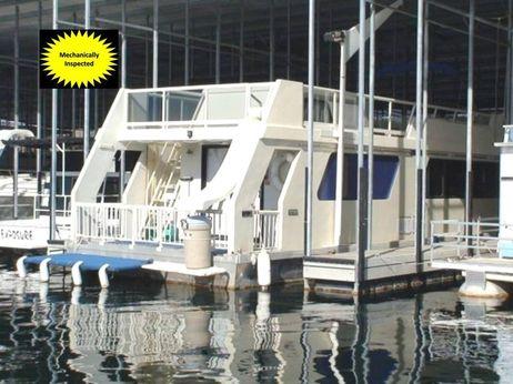 1988 Three Buoys Houseboat