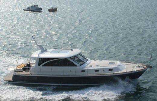 2014 Hunt Yachts 68