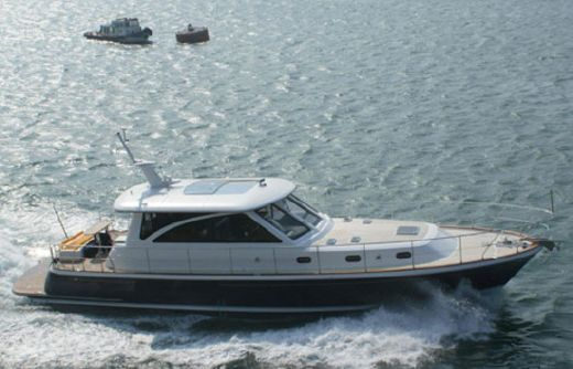 2015 Hunt Yachts 68
