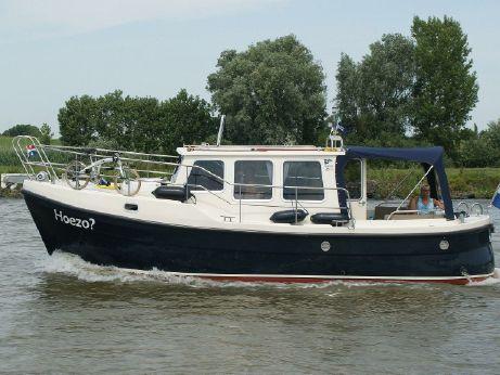 2010 Cantia 28 Cabin Cruiser