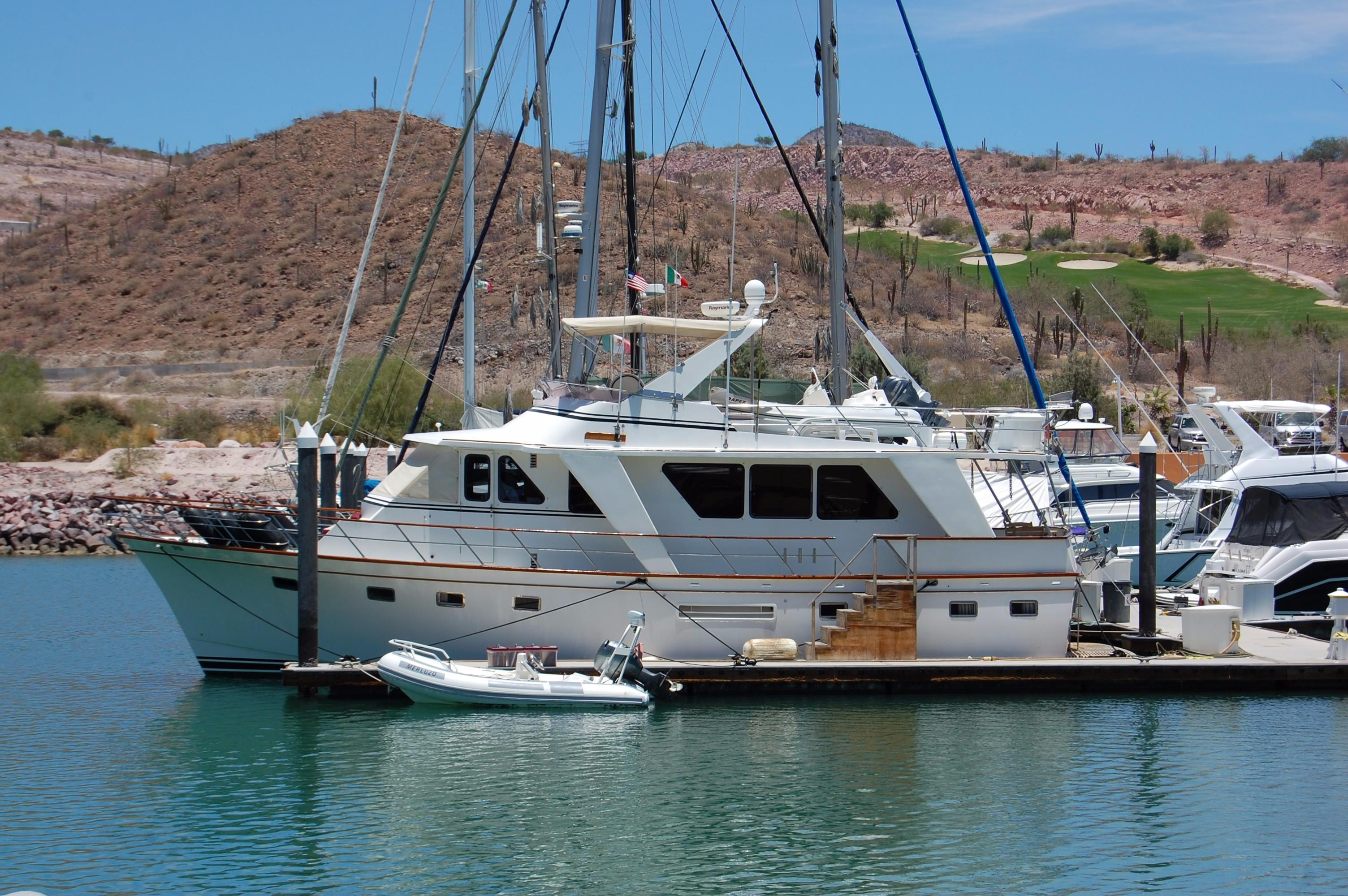 53' DeFever Performance Offshore Cruiser+Photo 4