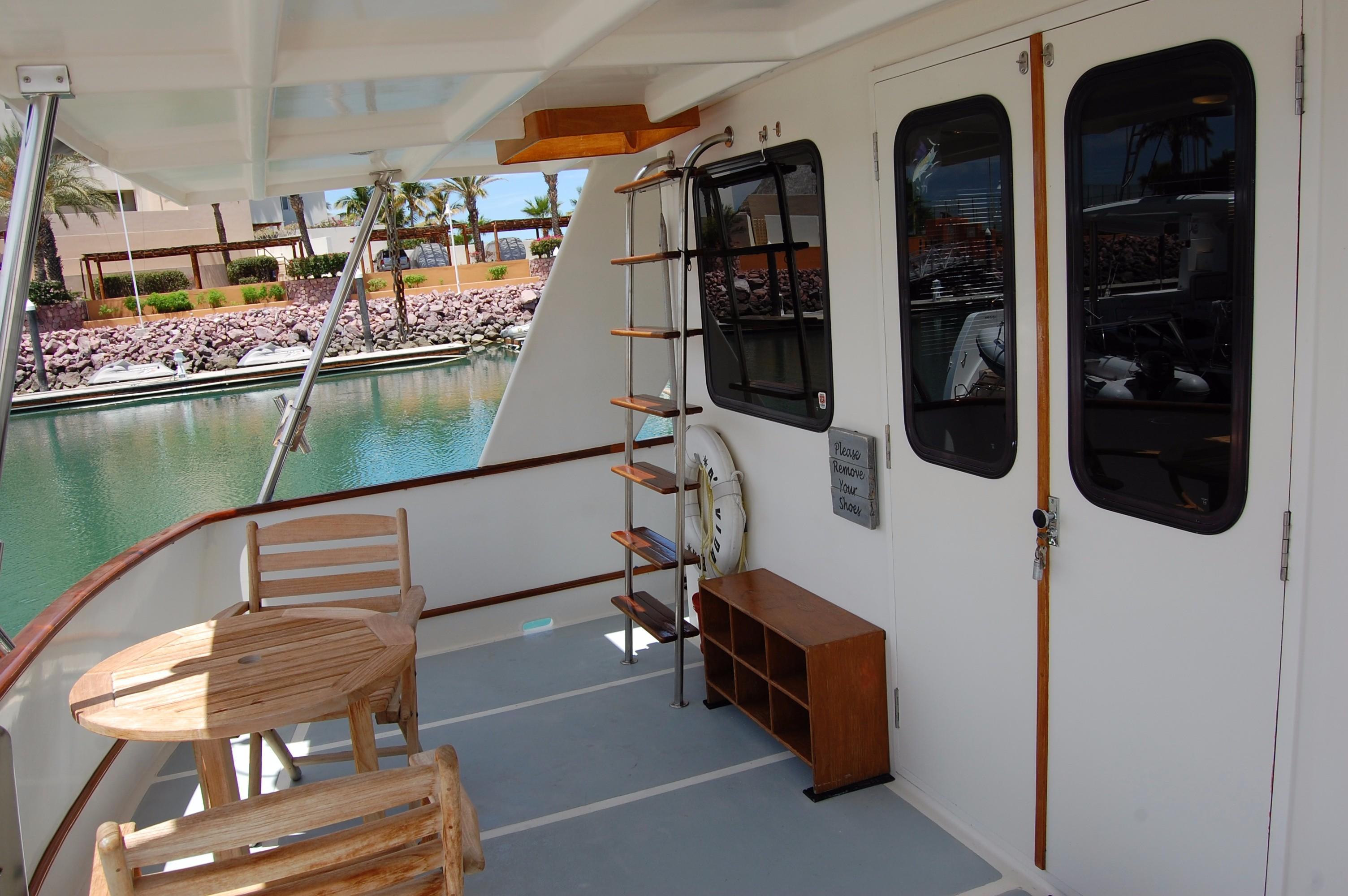 53' DeFever Performance Offshore Cruiser+Photo 10