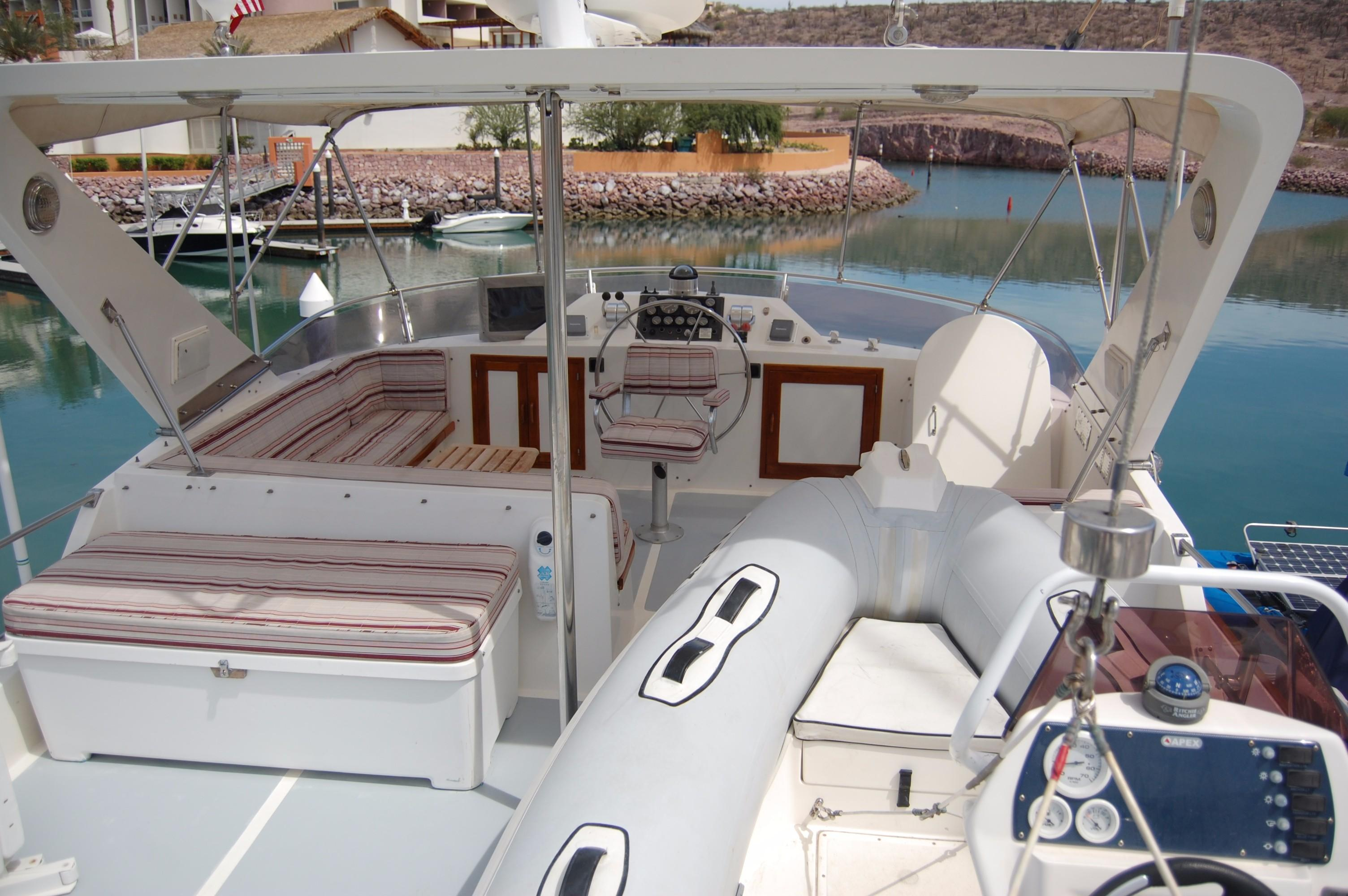 53' DeFever Performance Offshore Cruiser+Photo 13
