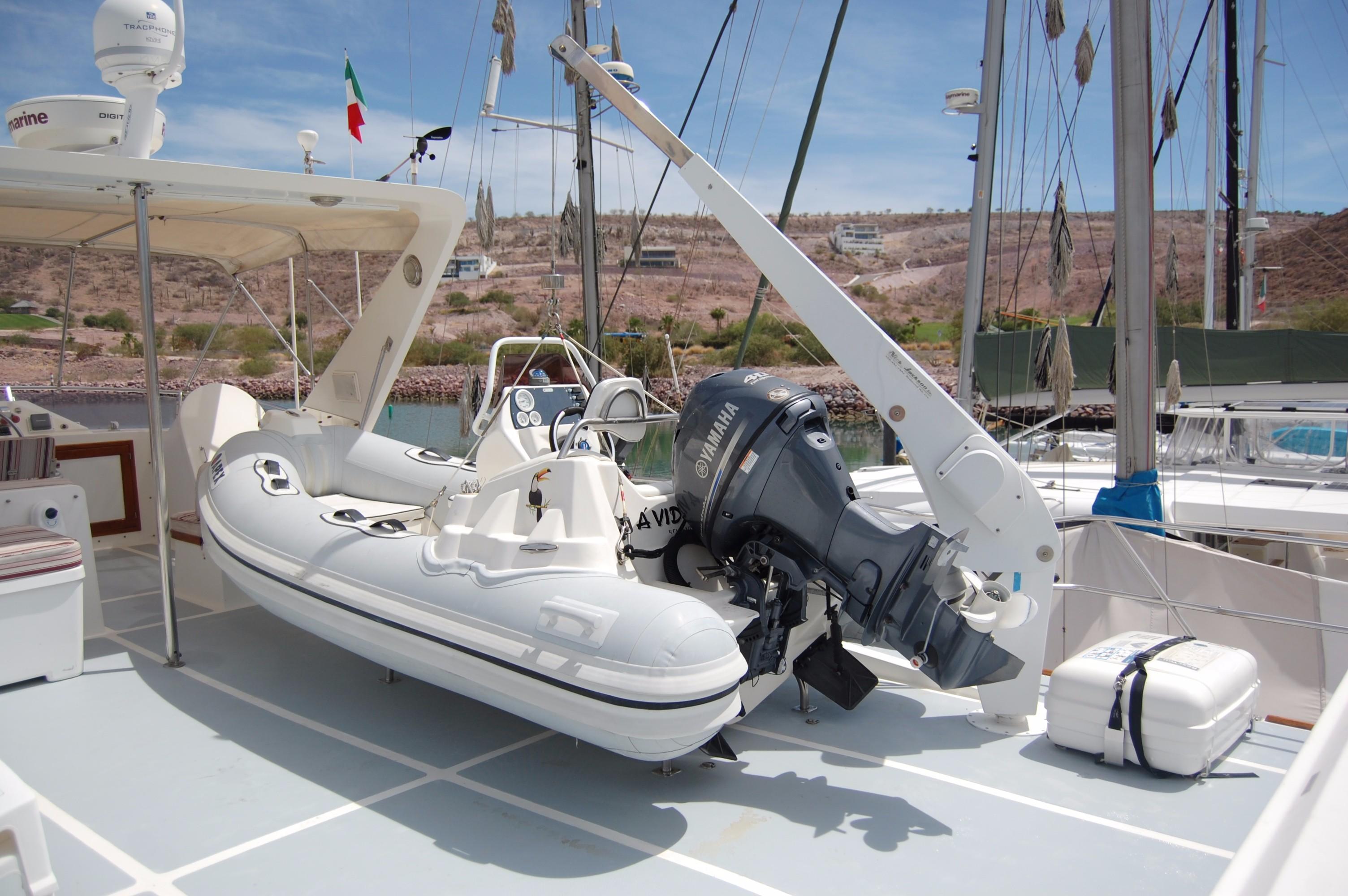 53' DeFever Performance Offshore Cruiser+Photo 14
