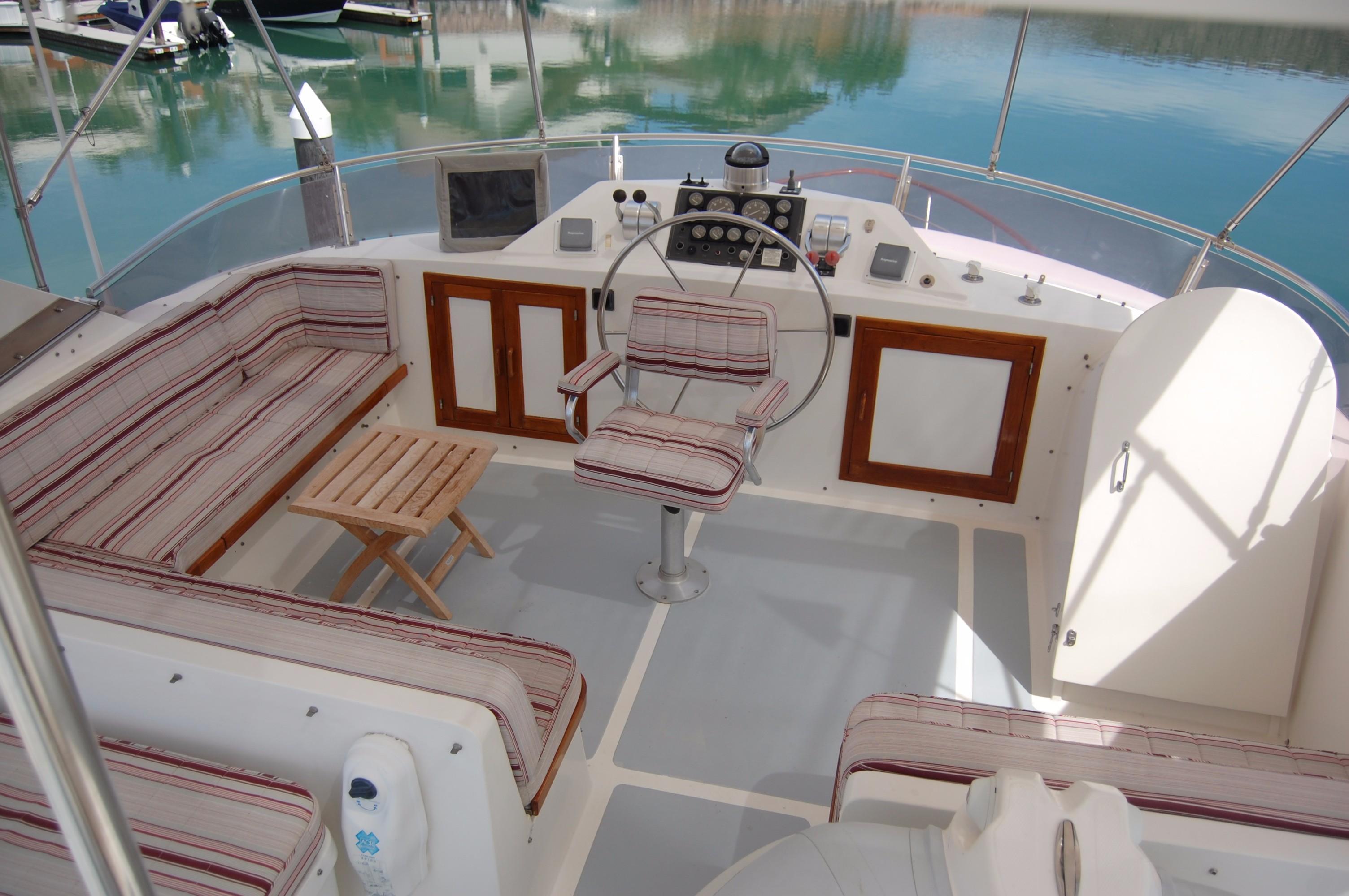 53' DeFever Performance Offshore Cruiser+Photo 18
