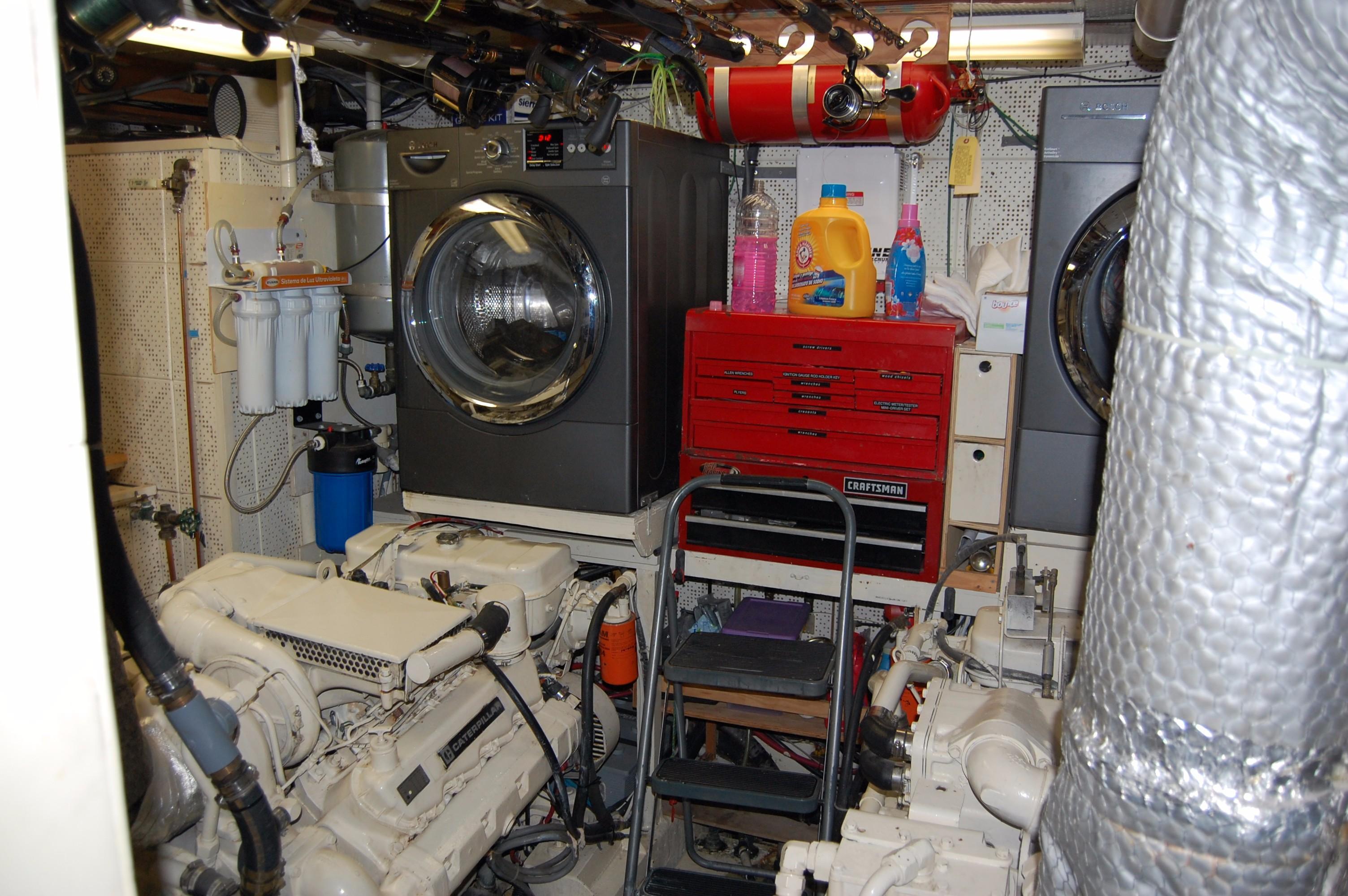53' DeFever Performance Offshore Cruiser+Photo 29