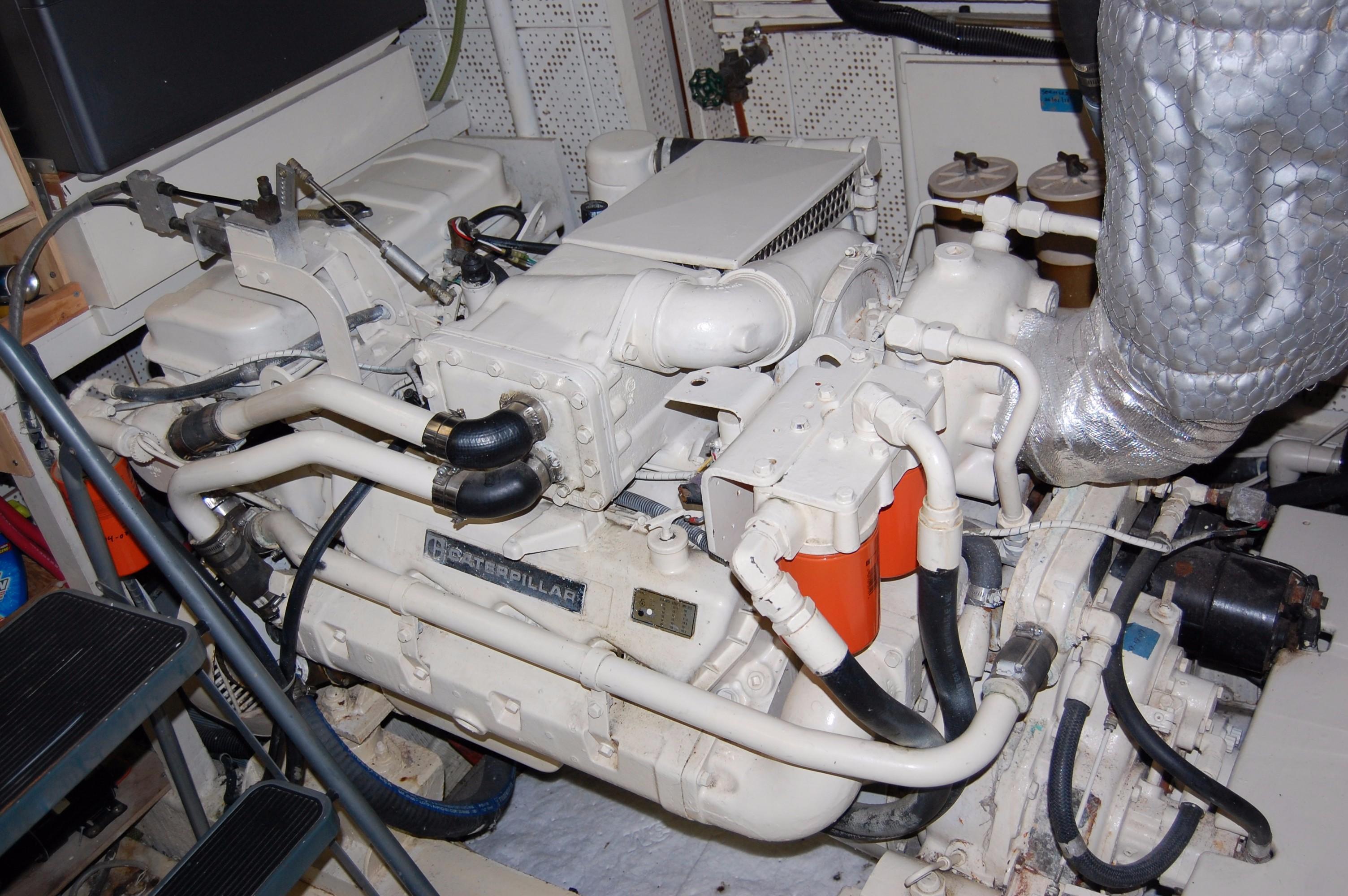 53' DeFever Performance Offshore Cruiser+Photo 31