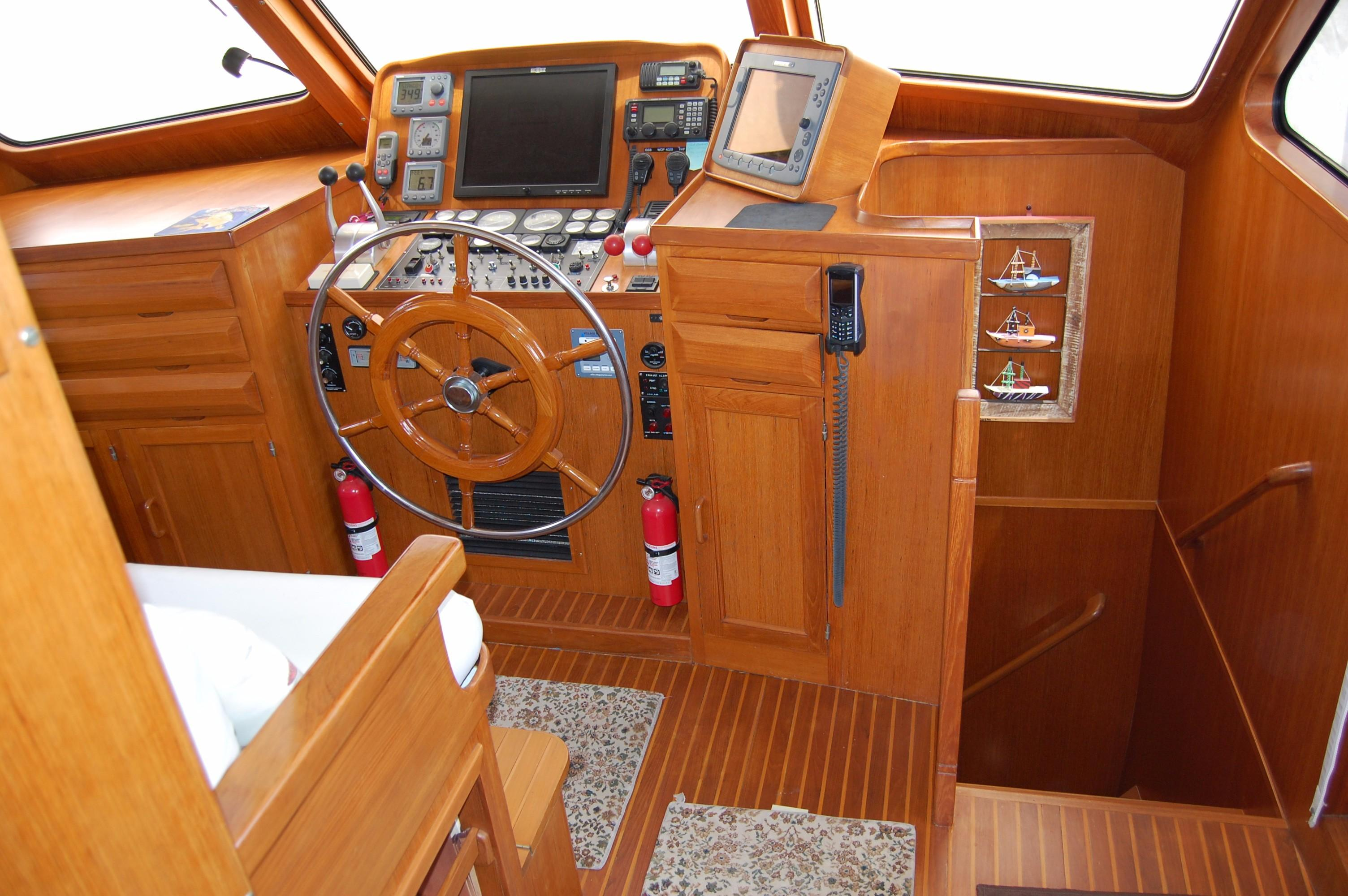 53' DeFever Performance Offshore Cruiser+Photo 47