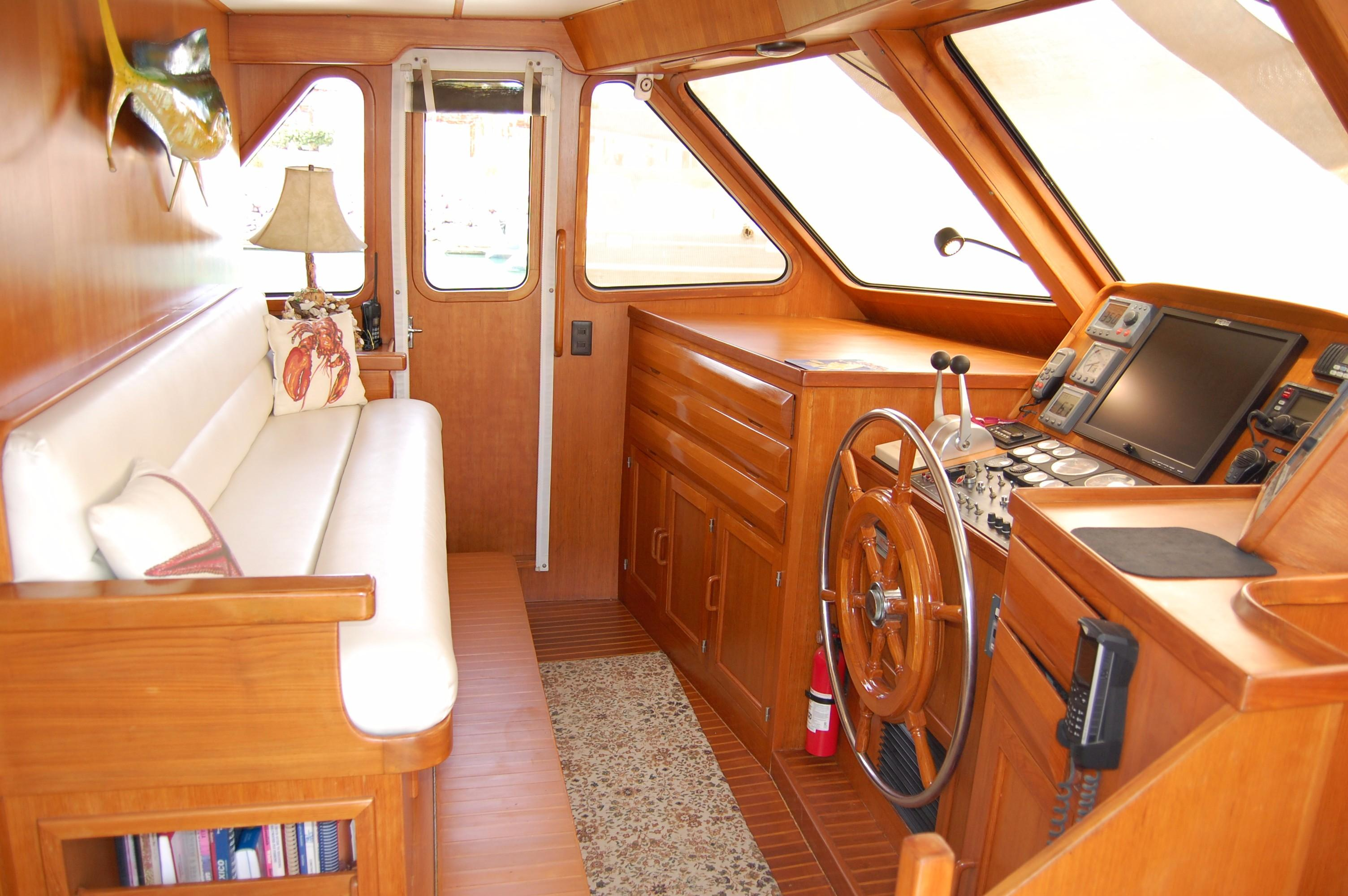 53' DeFever Performance Offshore Cruiser+Photo 48