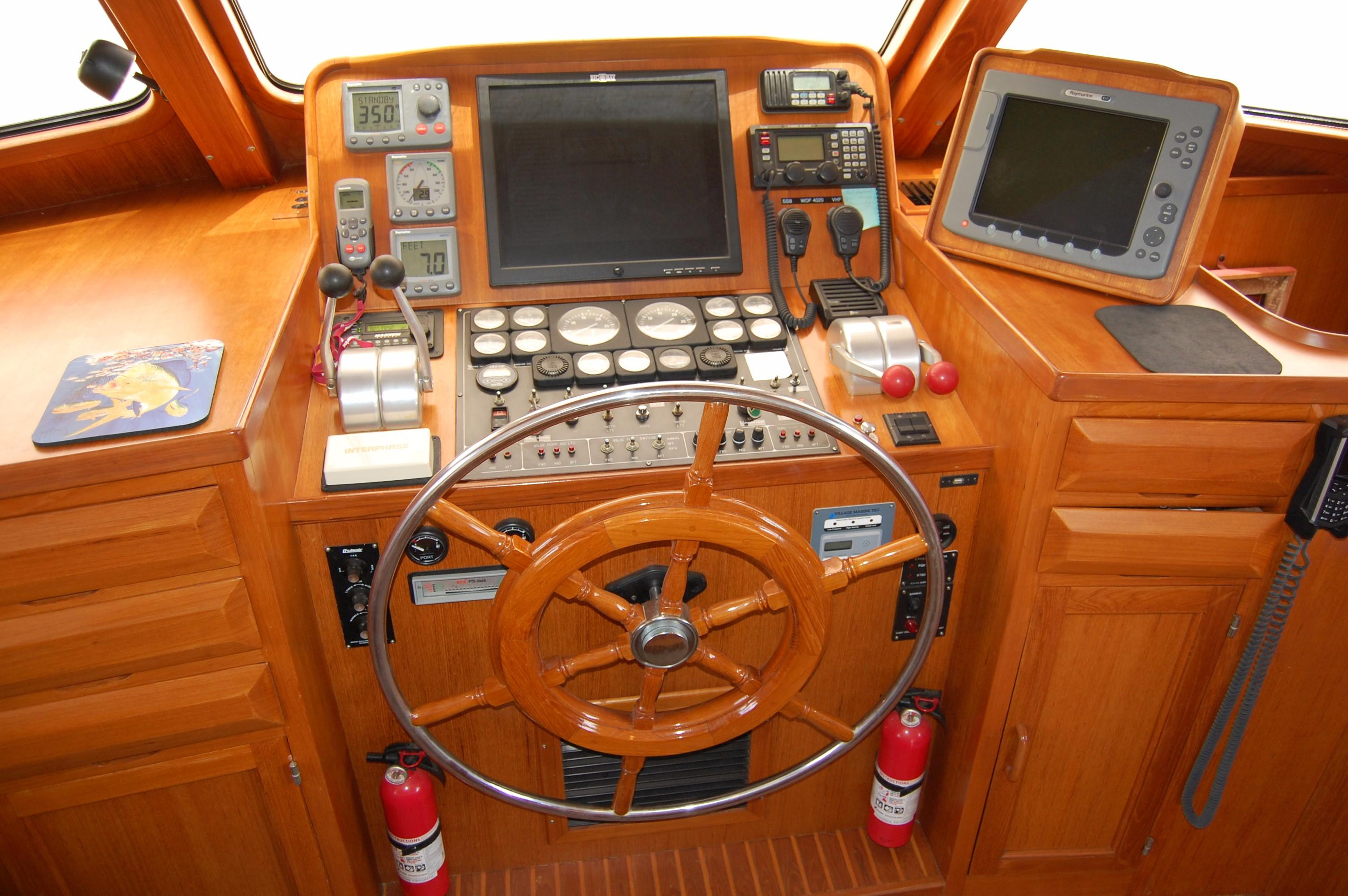 53' DeFever Performance Offshore Cruiser+Photo 49