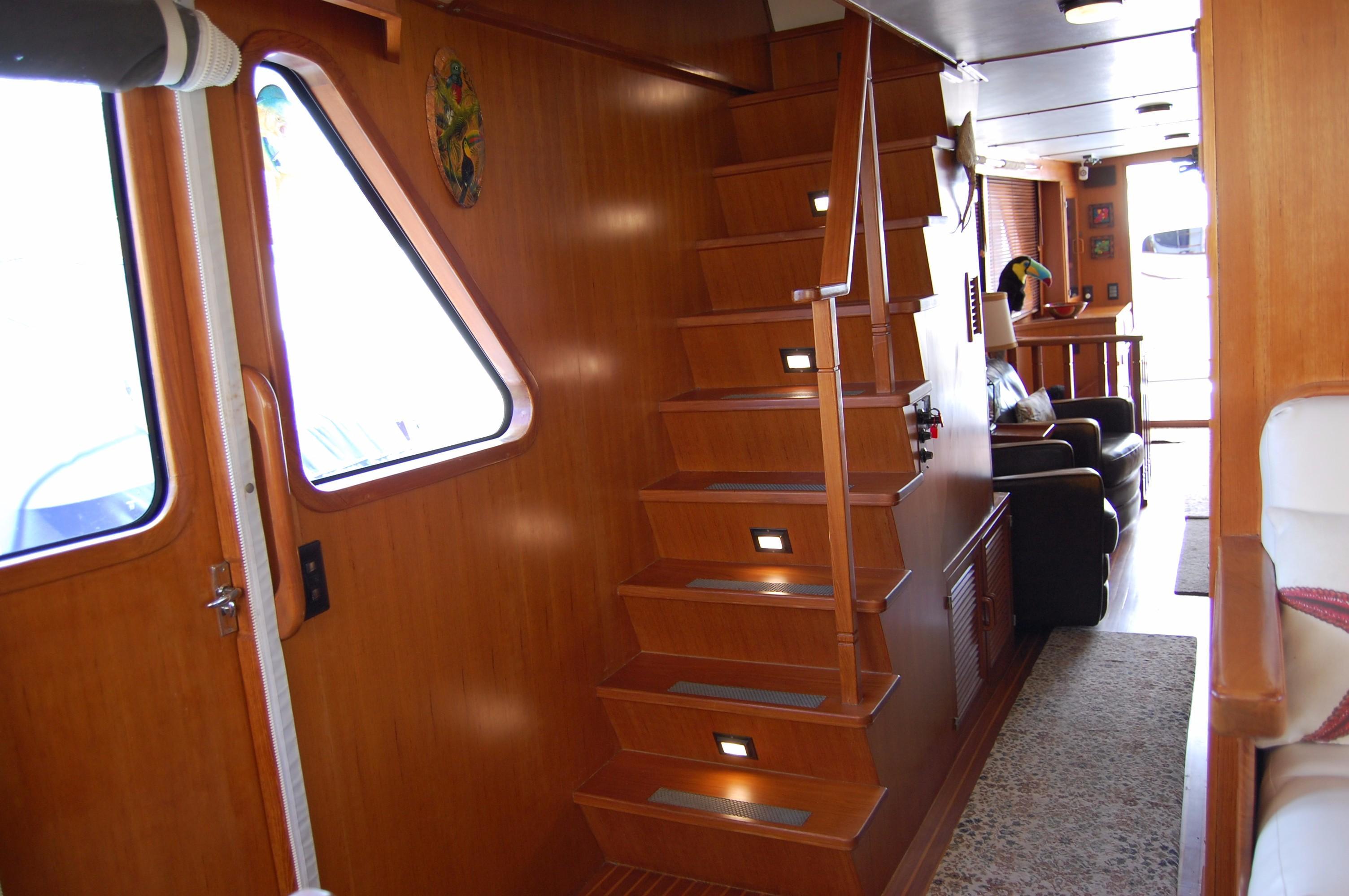 53' DeFever Performance Offshore Cruiser+Photo 50
