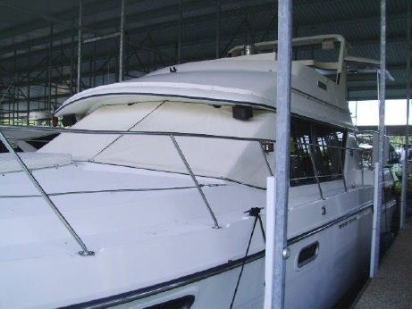 1988 Carver Yachts 38 Motor Yacht