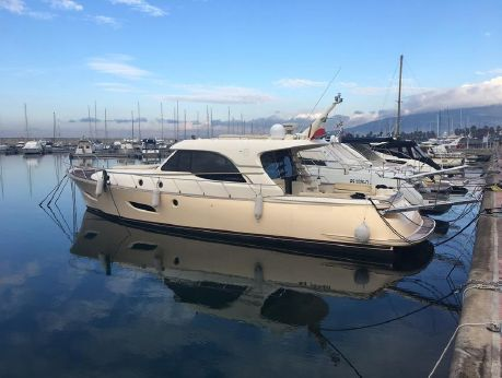 2009 Mochi Craft 54' Dolphin