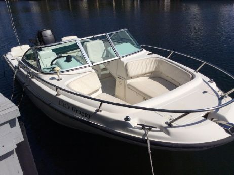 1999 Boston Whaler 20 Ventura Bowrider