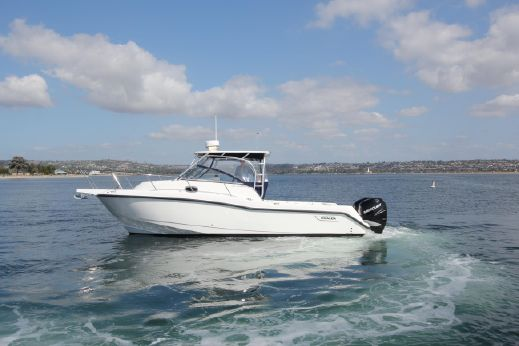 "2008 Boston Whaler "" 28"" Conquests"